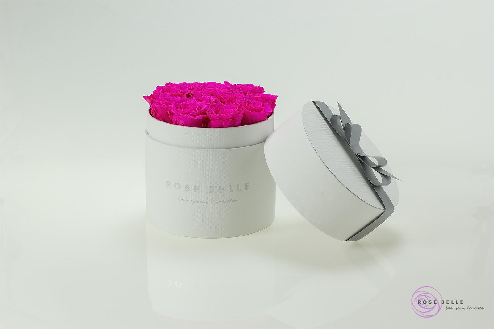 Wieczne róże w białym boxie