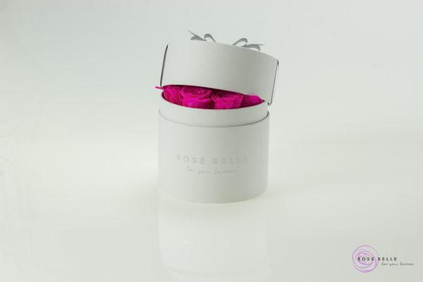 Róże stabilizowane w białym boxie